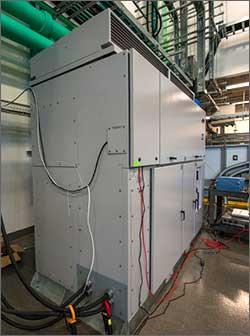 File:500-kilowatt Advanced Energy inverter at the ESIF PSIL.jpeg