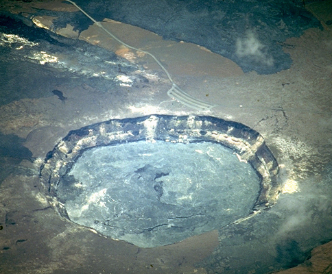 File:Kilauea.caldera.air.484x400.jpg
