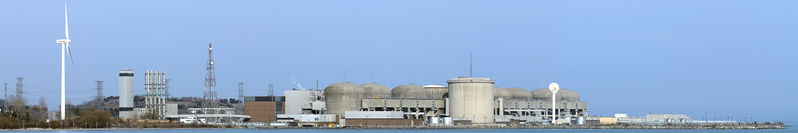 File:Pickering-nuclear-generating-station-001-2.jpg